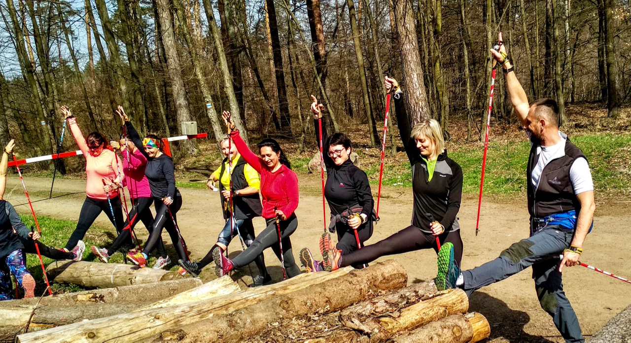 Nordic Walking v lese